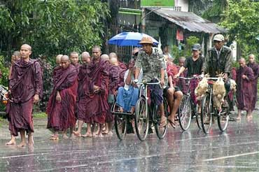 myanmar_monks_protest_20070.jpg